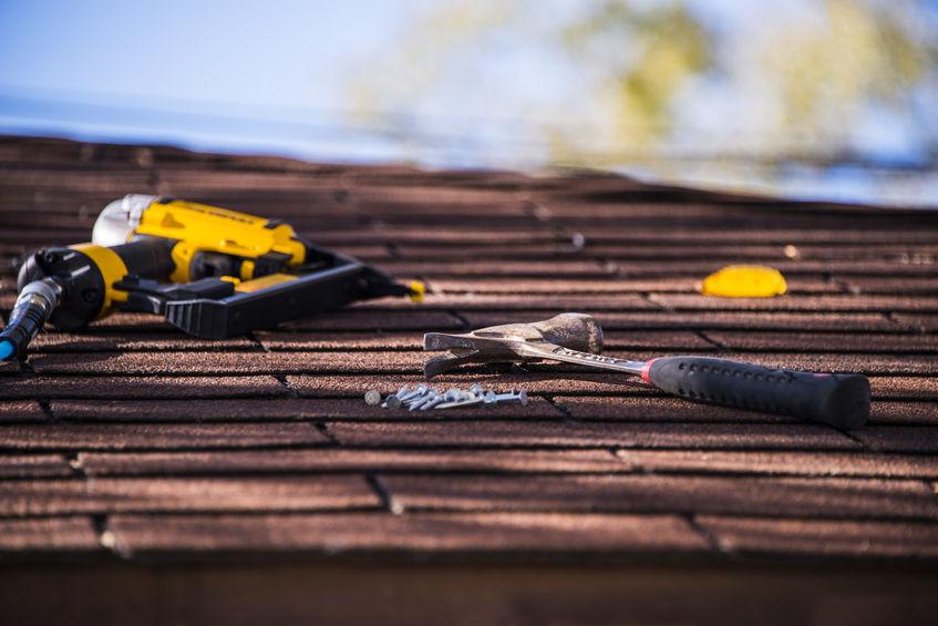 roof repairing tools